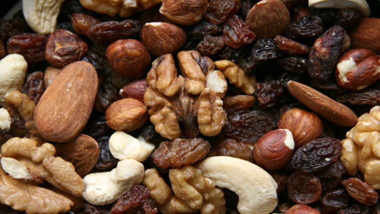 trail mix of nuts and dried fruits