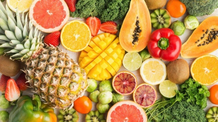 different fruits with vitamin c