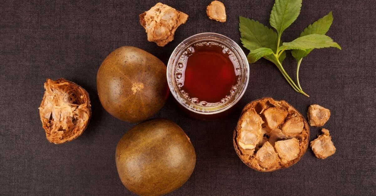 monk fruits and monk fruit extract in a bowl